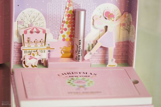 too-faced-christmas-in-new-york-merry-macarons-palette-13