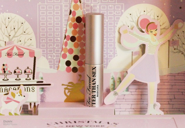 too-faced-christmas-in-new-york-merry-macarons-palette-16
